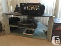 """Selling my gently used 40"""" Sony TV with stand (both in"""