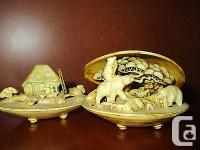 Up for auction is a lovely set of faux bone carved clam