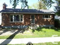 Perfect student house. 3 room residence near Brock