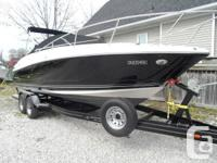 This 2010 Monterey 254 FSC is in Spectacular Condition!