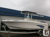 Lightly PRE-OWNED 2013 - Robalo R200 as new condition