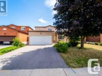 Overview One Of Maple's Most Desirable Neighbourhood