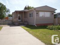 4 Br. Mobilehome on private lot (50x120 ft.) in Taber
