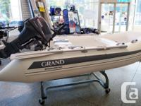 S275 (275 cm / 9' long) : boat weight = 45kg (99 lbs).
