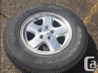 "Set of 5 factory 16"" x 7"" aluminium wheels from a 2006"