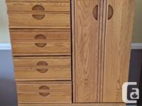Bedroom set is in good condition and includes: Bed for sale  Ontario