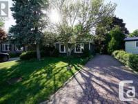 Overview Renovated 4+3 Bdrm Modern Bungalow, Tens Of