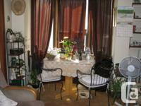 Lovely 1 Room Apartment in midtown Path across from