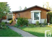 MLS # C3638228. Spectacular Cottage with a dual
