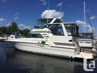 FRESHWATER ONLY!!!! This beautiful Sea Ray 440 Aft