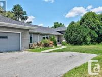 Overview Largest Lot On The Crescent, Backing Onto The