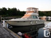 36 ft FLY BRIDGE TIARA READY FOR THE WATER This