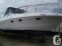This 2000 Four Winns 328 Vista is powered by twin Volvo