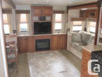 5th Wheel Durango 1500, 2011model D275RE, Half ton