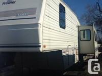 Fifth tire 36ft 1 rooms. cost$7,500. Fifth wheel