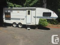 1992 Cobra 24' 5th wheel with hitch Stove Fridge Water