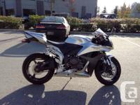 12000 kmS . $4000 Dec .The amazing CBR600RR combines, used for sale  British Columbia