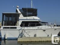 This boat has it all! Luxurious teak interior,