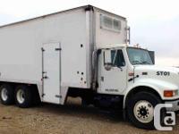 2000 International 4900 Wash and Steam Truck, tandem