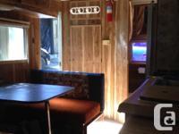 Dual axle travel trailer, suv towable 3500lbs, sleeps 4