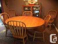 Solid light Oak dining set in very good condition.