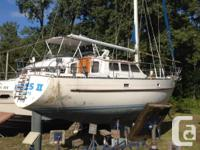 ~~ Hull and Deck White hull with light blue waterline,