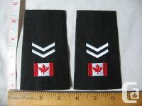 One pair of Canadian Flag with two chevrons epaulettes