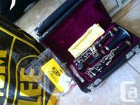 Newly bought clarinet for sale for only 250$! I bought