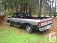 Make Dodge Year 1993 Colour black and silver Trans