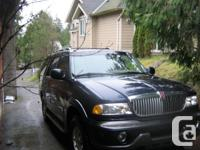 Make Lincoln Model Navigator Year 1998 Colour blue kms