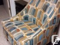 Livingroom accent chair in perfect condition with