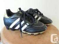 Adidas boys size 11.5 soccer cleats, excellent