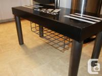 Metal table/Bench - Can be used for entertainment