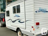 "Aerolite Kustom Coach ""Breeze"" BT165 rv trailer. Light"