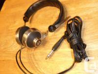 Akai ASE-7 Vintage stereo headphones in very nice