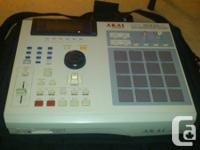 Akai MPC 2000XL Sampler & MIDI Production Workstation