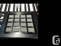 Selling a mint Akai MPK88 with heavy duty stand, 10