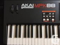 Lightly used MPK 88. Has been sitting in the case for