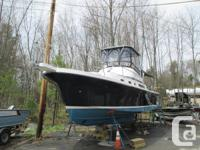 The Albin 32+2 Command Bridge is a blend of the