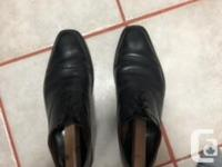 Selling a pair of AE Evanstons in black, size 12,