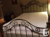 Kengsington queen metal head board, framework and