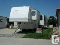 Selling Alpenlite (2000) 35 ft with 2 slides & lot