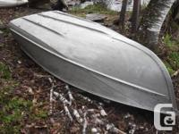 This 13 foot boat is in excellent. Its size makes it a