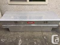 Excellent condition, watertight and it locks. Fits Ford