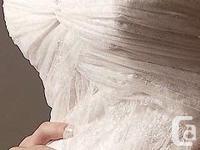 Color: Off white Fabric: Lace & Organza Size: 2-4