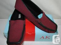 NEW in box. Great Gift idea! Available in sizes 6.5, 7