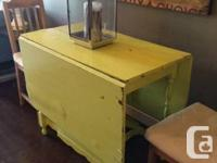 Antique British gate leg table with 2 drop leaves,