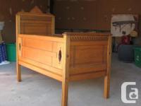 LIT D'ENFANT ANTIQUE- East Lake-ANTIC CHILD BED en