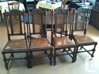 This beautiful English Oak dining set is in excellent