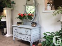 Beautiful refinished serpentine dresser in soft grey